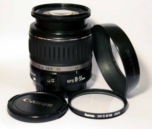 Canon EF-S 18-55mm 13.5-5.6 II Lens (1)